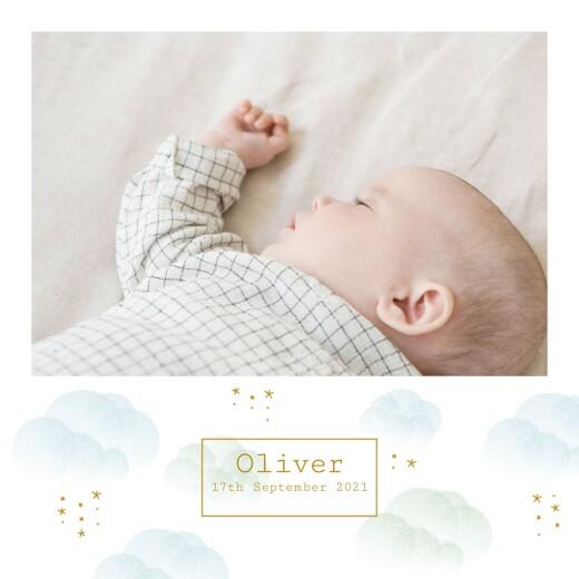 婴儿公告雾蓝色